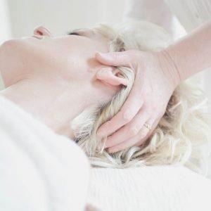 Masaje cráneo-facial